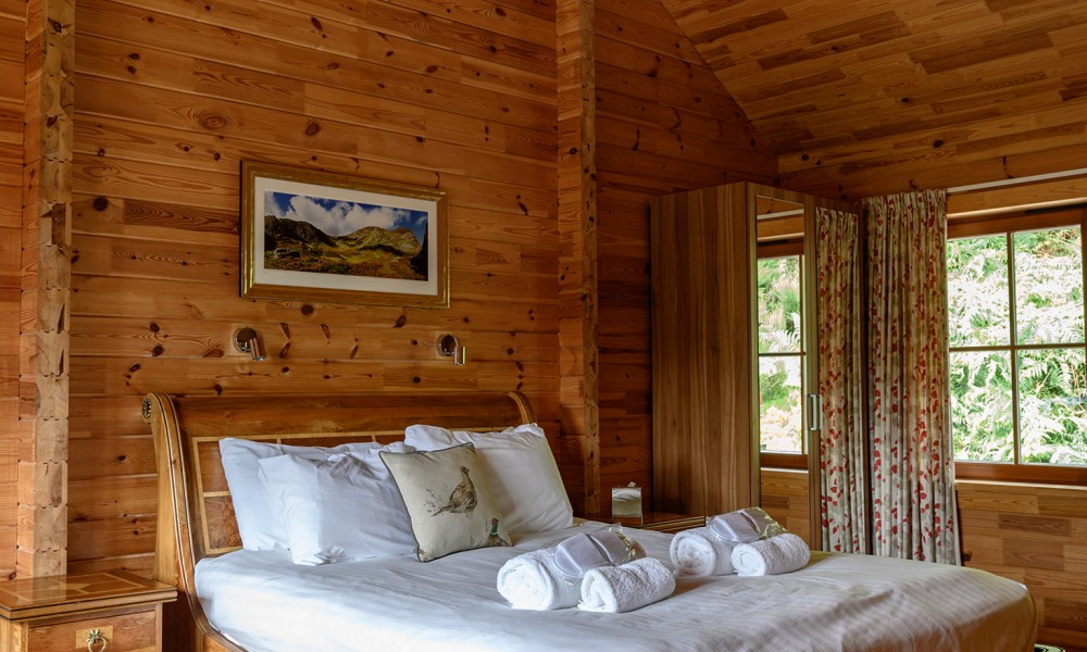 Accommodation - Luxury Lodges with Hot Tubs - 1 bedroom lodges bedroom