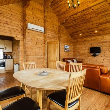 Accommodation - Luxury Lodges with Hot Tubs - 2 bedroom living area