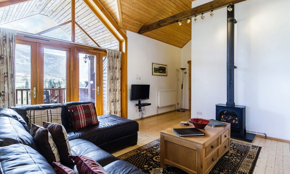 Accommodation - Luxury Lodges with Hot Tubs - 3 bedroom lodge living area