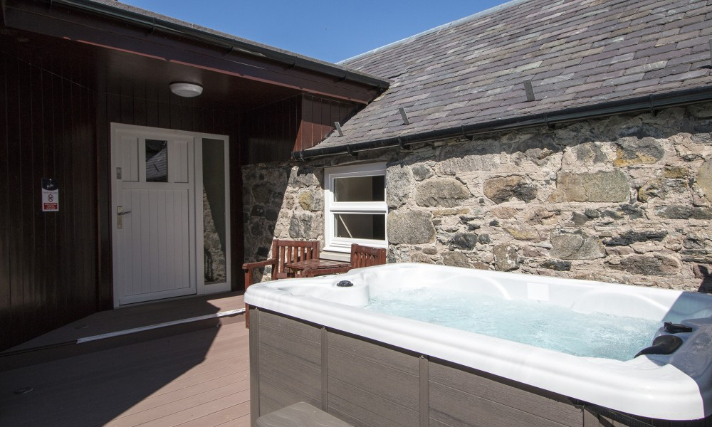 Accommodation - Luxury Lodges with Hot Tubs - Old Mill Lodge