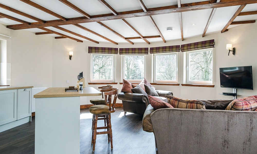 Accommodation - Luxury Lodges with Hot Tubs - Old Mill Lodge living area