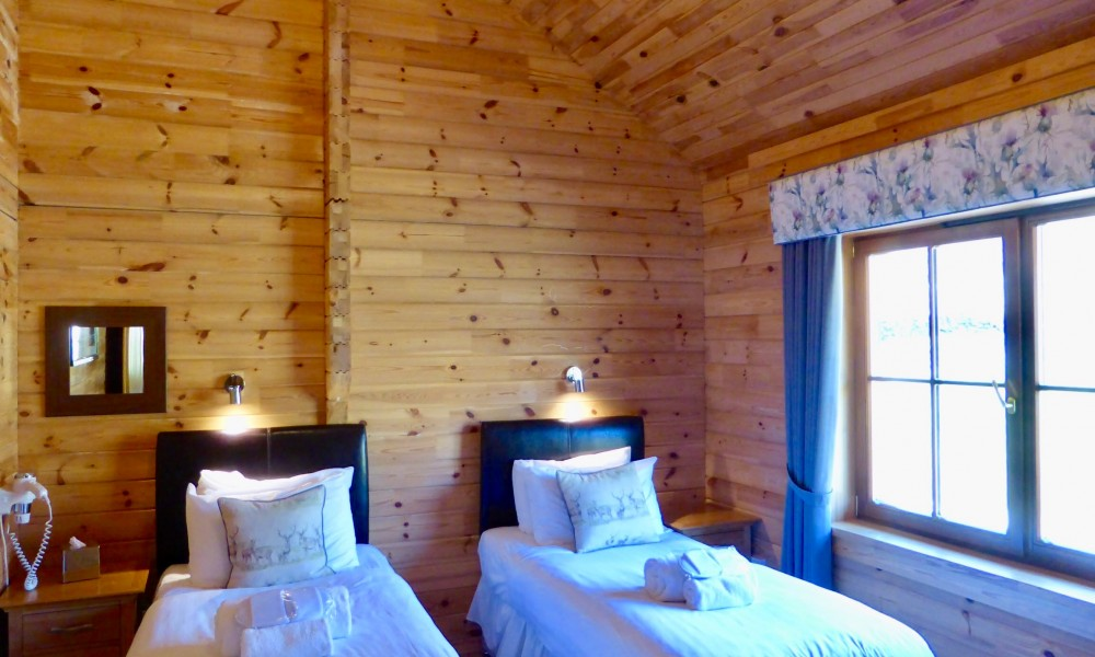 Accommodation Luxury Lodges with Hot Tub 2 bedroom lodge twin bedroom